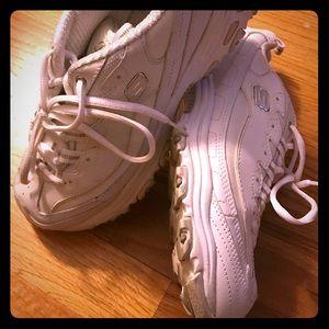 👟 Skechers D'Lites leather sneakers sz 9 🤸🏻♂️